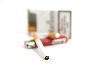 cigarette-1126804_640