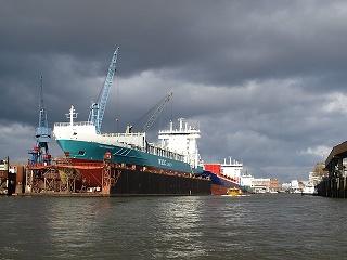 shipyard-331463_640