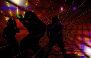 silhouette-592529_640