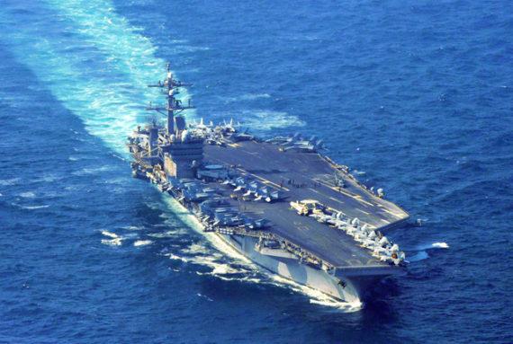 米空母カールビンソン、対馬海峡航行 朝鮮半島近海へ!朝日新聞社ヘリが確認