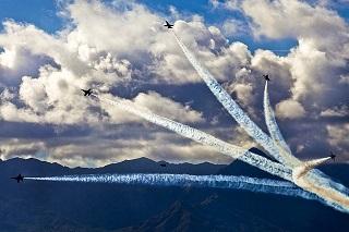 air-show-694807_640.jpg