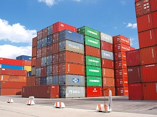 container-489933_640.jpg