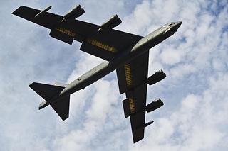 B52 爆撃機 軍事