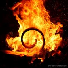 イメージ 火 鉄鋼