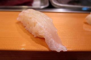 ヒラメ 寿司