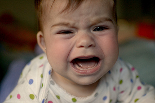 泣く 赤ちゃん